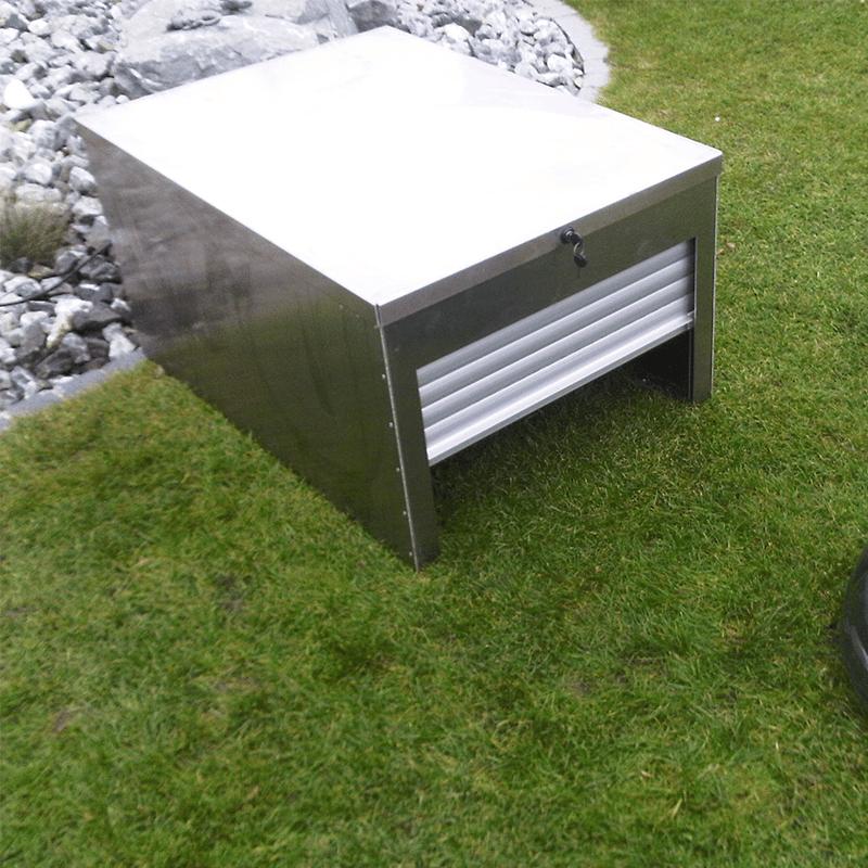 Abris robot tondeuse à volet roulant en aluminium
